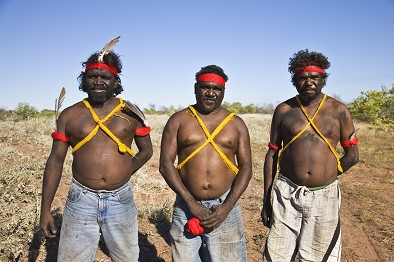 Nyangumarta men get ready for the determination ceremony
